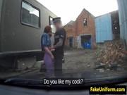 Policia se folla a una mujer madura