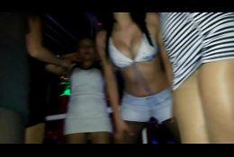 Sensuales chicas en disco Santiaguina, Chile.