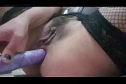 Se masturba delicioso joven chilena con un consolador