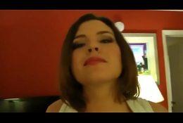 😝Trabajadora Chilena con Enormes tetas se encuentra trabajando en Hotel😝